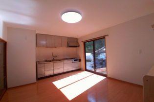 キッチンを移設して、窓を設置明るく開放的になりました