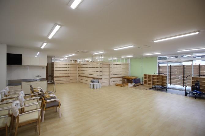 店舗跡を改修し、児童福祉施設にしました。